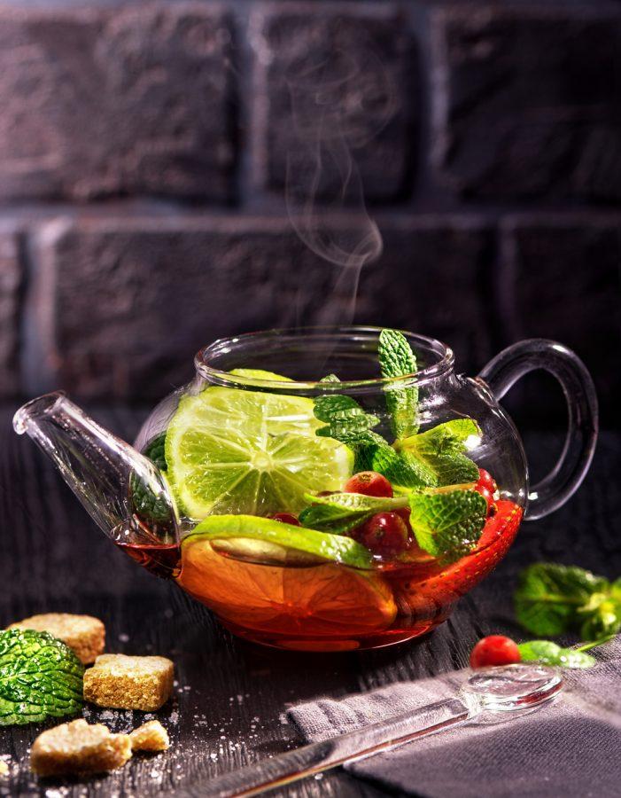 фотография холодного чая с лимоном и мятой